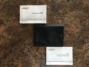 2012 Chevrolet Avalanche Owner U0026 39 S Manual Set