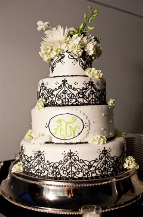 gorgeous black  white wedding cakes weddingomania