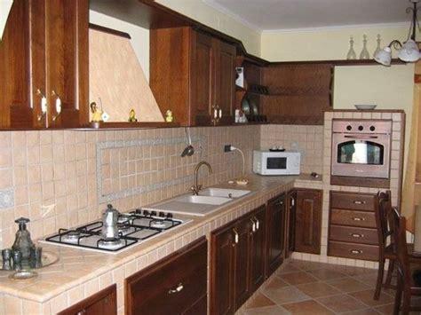piastrelle per piano cucina muratura rivestimenti cucine in muratura sj38 187 regardsdefemmes
