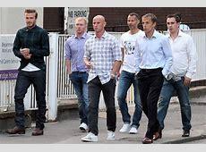 チェックシャツのデビッド・ベッカムとマンチェスターU時代の仲間たち メンズセレブファッションニュース