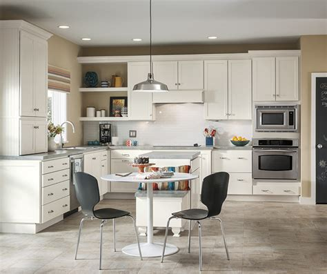 white shaker cabinets kitchen white shaker cabinets in a casual kitchen homecrest 1458