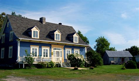 la maison bleu a photo from central trekearth