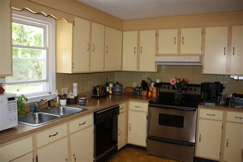 kitchen color ideas for small kitchens online information kitchen paint two tone kitchen cabinets with range hoods