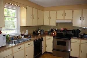 Wooden Two Tone Kitchen Cabinets — Guru Designs : Trends