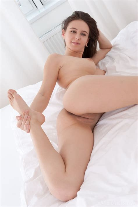 Alisa Amore Naked On Bed Sexpin Net Free Porn Pics And