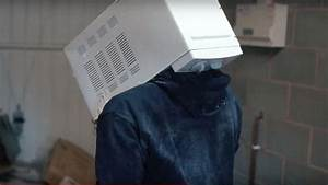 YouTube prankster cements head in microwave: TGFbro
