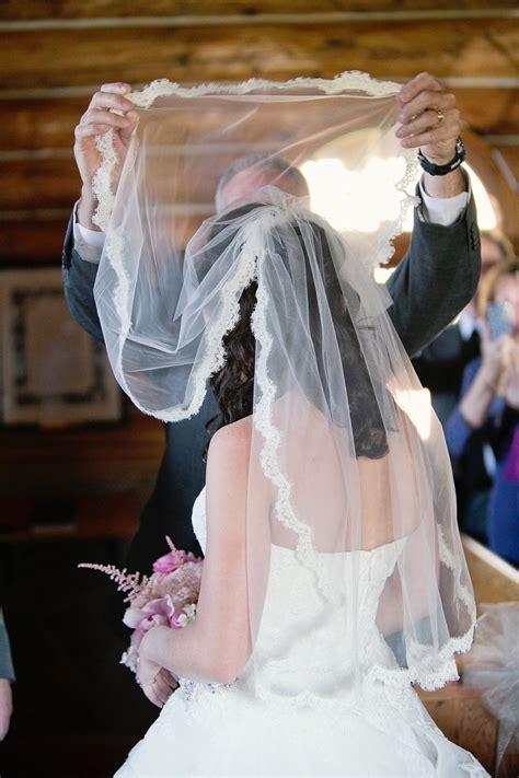 wedding lifting veil