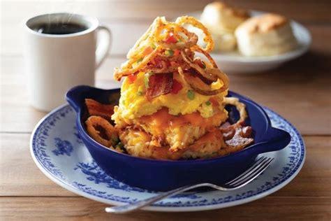 cracker barrel cooks   bacon  egg hashbrown