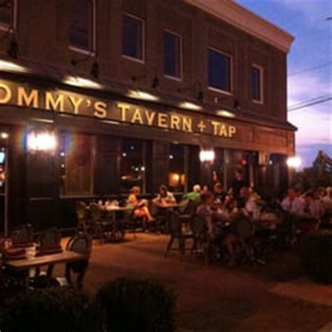 tommys patio cafe s tavern and tap 161 photos 171 reviews pizza