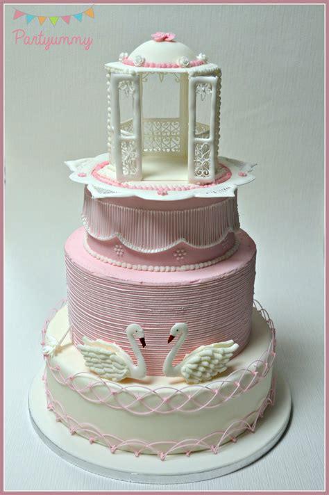 wedding cake en glacage royal