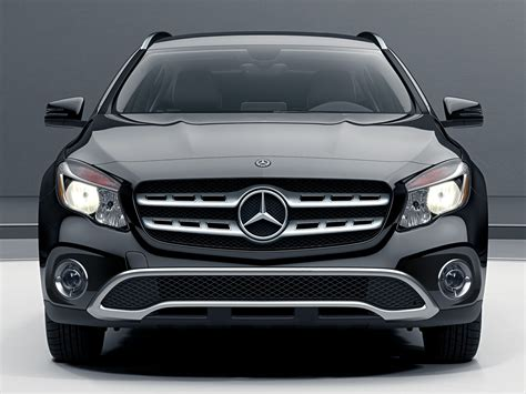 You may notice new bumpers, new wheels, and some new interior features. New 2018 Mercedes-Benz GLA 250 - Price, Photos, Reviews, Safety Ratings & Features