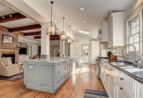 47 Beautiful Country Kitchen Designs (pictures