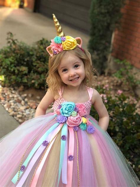 Idea facil de disfraz de unicornio para niña Minilook