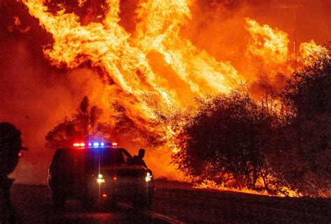 A series of 29 wildfires ignited across southern california in december 2017. 3 Dead as Wildfire Explodes in Northern California