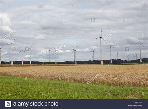 ackerland kaufen rheinland pfalz windm 252 hlen in der region rheinland pfalz rheinland pfalz in deutschland stockfoto bild