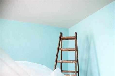 Wie Streicht Eine Wand by Wie Streiche Ich Eine Decke Richtig Kolorat