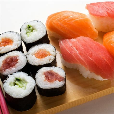 cuisiner des sushis les 25 meilleures idées de la catégorie sushi sur sushi rolls sushi sain et