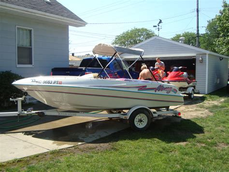 Four Winns Jet Boat For Sale by 1994 Four Winns Fling Powerboat For Sale In Michigan