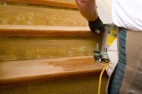 comment poser un tapis d escalier r 233 novation d escalier quel budget pr 233 voir pour r 233 nover escalier