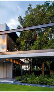 Box-Shaped House with a Tropical Style Garden /// Living ASEAN