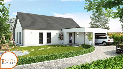 maison contemporaine avec toit en pente