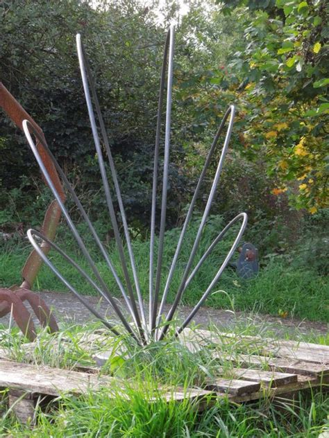 gardens sculpture  metal sculptures  pinterest