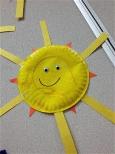 best 25 yellow crafts ideas on jungle theme 669   dee35cd2c41232edb2c446dd0856d997 daycare crafts preschool crafts