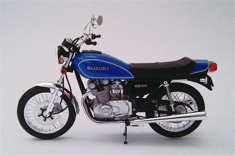Suzuki Gs 400 by Suzuki Gs 400 Plastov 233 Modely Motoriek Motorcycle