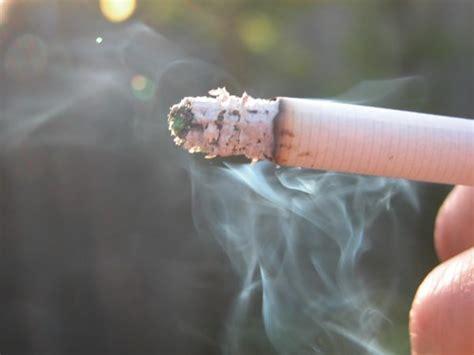 Fumar muito aumenta o risco de Mal de Alzheimer