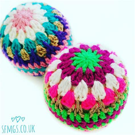 crochet christmas bauble decorations favecraftscom