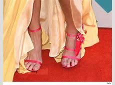 Miranda Lambert's Feet Are Under Fire KOKE FM
