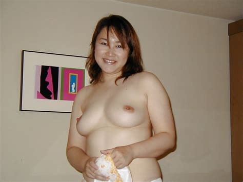 Chubby Japanese Middle Aged Woman Pure Pink Pussy 20