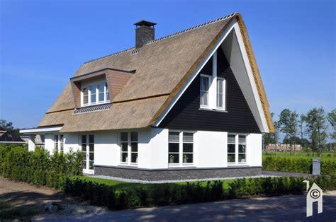 sims 4 ander huis kopen huis rieten kap dak te repareren