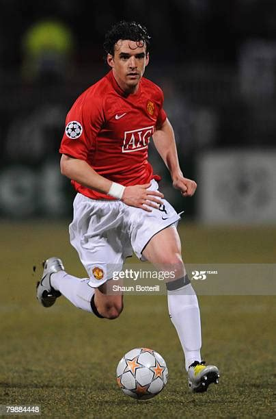 Owen Hargreaves Photos and Premium High Res Pictures ...