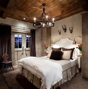 Kronleuchter Im Schlafzimmer : 21 schlafzimmer ideen im landhausstil rustikaler charme im haus ~ Sanjose-hotels-ca.com Haus und Dekorationen