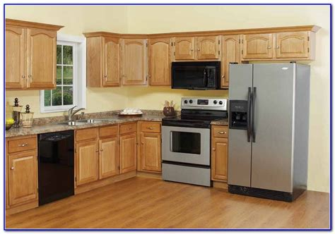 small kitchen paint colors with oak cabinets painting