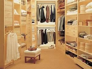 Dressing En Palette : id es pour fabriquer un dressing pas cher elle d coration ~ Melissatoandfro.com Idées de Décoration
