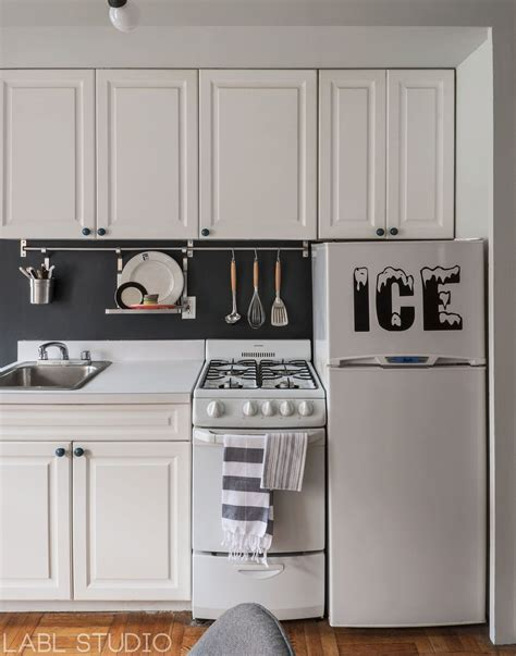 ikea kitchen accessories australia west nyc bachelor pad apartment kitchen featuring 4447