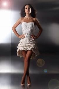 Kurzes Brautkleid Sexy Mit Spitzenkorsage Vorne Kurz
