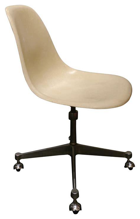 chaise de bureau vintage chaise de bureau vintage à roulettes charles eames