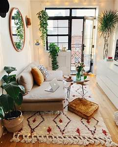 Super, Cozy, Scandi, Inspired, Living, Room, With, Bright, Textiles, Velvet, Green, Plants, And, Soft