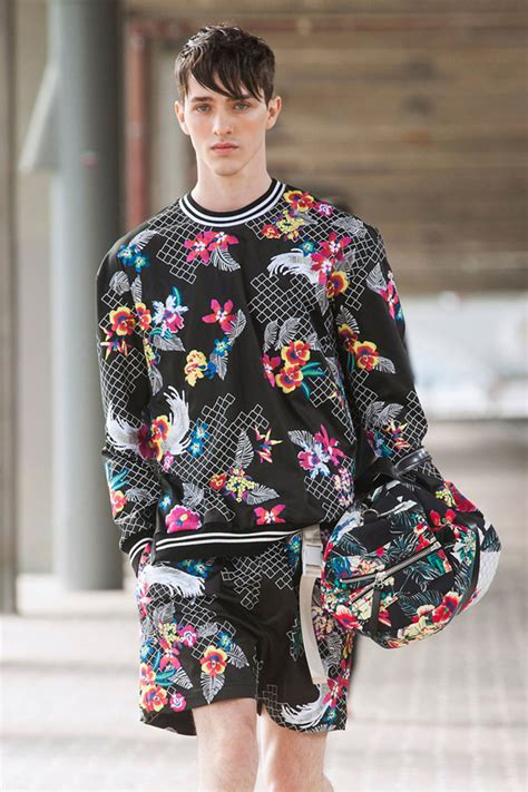 Christopher Uvenio Collezioni 15 Fashionable Outfits That Straight Dudes Will Never Wear