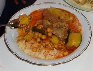 Assiette A Couscous : couscous avec viande etre femme dans diff rentes cultures ~ Teatrodelosmanantiales.com Idées de Décoration
