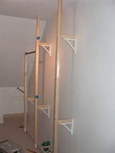 Kleiderstange Wand Holz : heim elich kleiderstangenwand in der ankleide ~ Michelbontemps.com Haus und Dekorationen