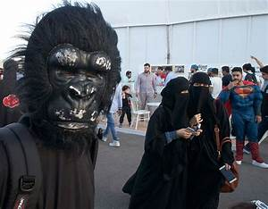 Jeddah: Sci-fi fans flock to first ever Comic Con expo ...