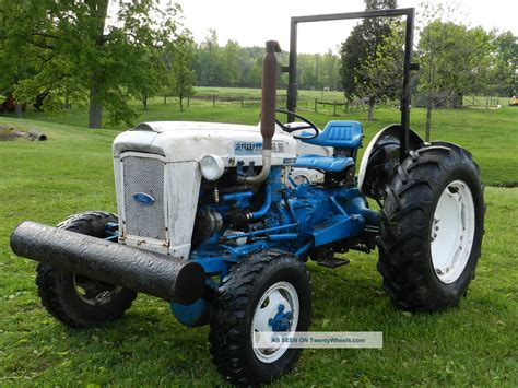 ford 4000 4x4 tractor