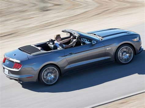 Ford Mustang Convertible Picture