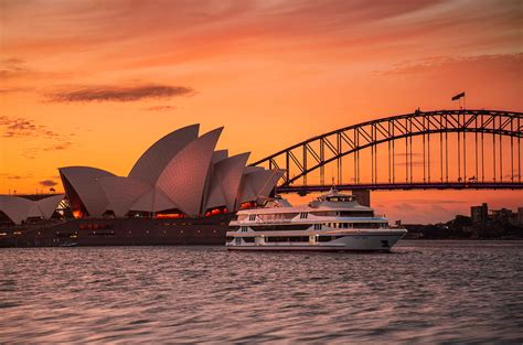 We offer a range of cruises on sydney harbour that include sightseeing, lunch and dinner cruises, where customer satisfaction is guaranteed at every touch point. Captain Cook Cruises | Sydney, Australia - Official Travel & Accommodation Website