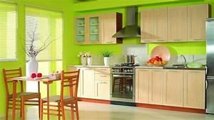 Cuisine verte pour un interieur naturel et doux for Deco cuisine avec chaise bois clair