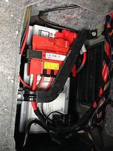 Batterie Bmw 320d : forum technique associatif de darkgyver e90 m57n2 an07 tutoriel d brancher le batterie ~ Gottalentnigeria.com Avis de Voitures